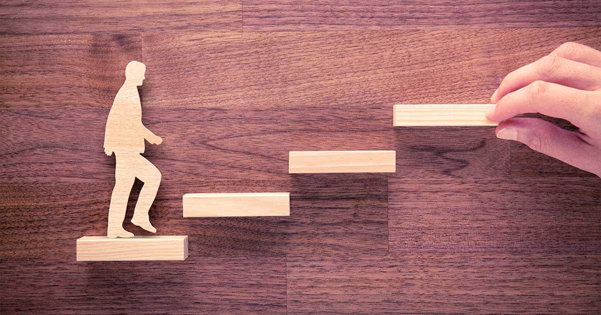 Conviértase en un socio estratégico de su negocio mejorando y recalificando su fuerza laboral